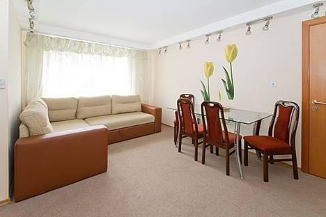 Сдается 2-комнатная квартира посуточно, бульвар Леси Украинки, 19.