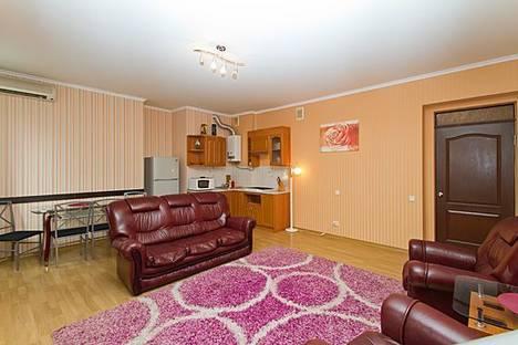 Сдается 2-комнатная квартира посуточно в Киеве, ул. Шота Руставели, 10.