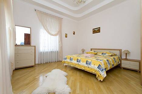 Сдается 2-комнатная квартира посуточно в Киеве, Бессарабская площадь, 5.