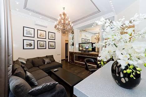 Сдается 2-комнатная квартира посуточно, Лютеранская ул., 3.