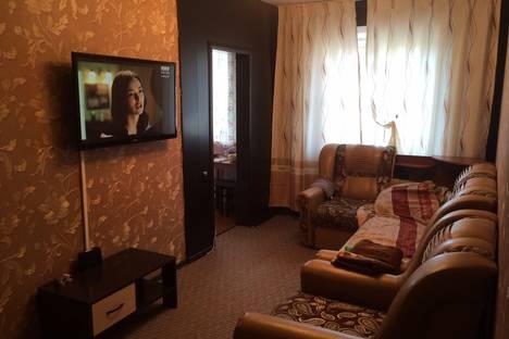 Сдается 2-комнатная квартира посуточно в Междуреченске, 50 лет Комсомола проспект, д. 19.