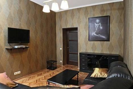 Сдается 2-комнатная квартира посуточно в Киеве, Крещатик 21.