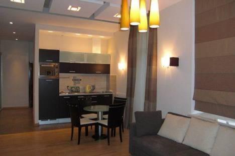 Сдается 2-комнатная квартира посуточно в Киеве, Заньковецкой 6.