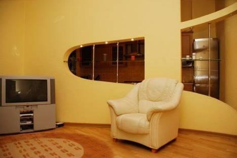 Сдается 2-комнатная квартира посуточно в Киеве, Бассейная 5-А.