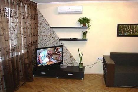 Сдается 2-комнатная квартира посуточно в Киеве, Бассейная 11.