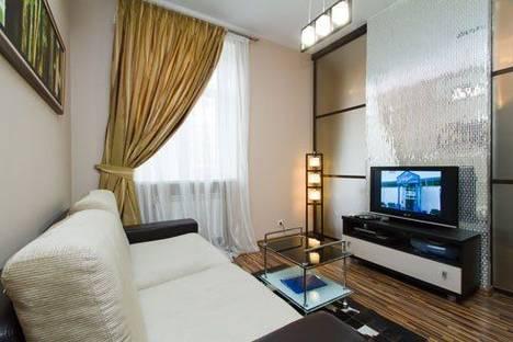 Сдается 2-комнатная квартира посуточно в Киеве, Бассейная 17.