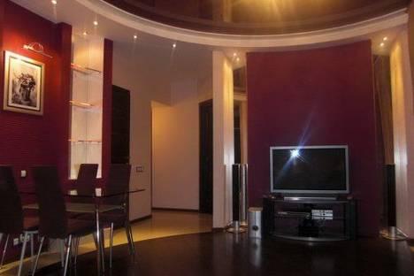 Сдается 2-комнатная квартира посуточно в Киеве, Красноармейская 20.