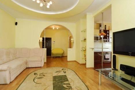 Сдается 2-комнатная квартира посуточно, Саксаганского 119.
