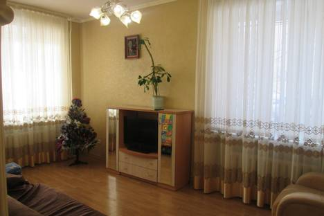 Сдается 3-комнатная квартира посуточнов Стерлитамаке, ул. Суворова, 10.