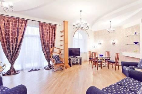 Сдается 3-комнатная квартира посуточно в Киеве, Крещатик 13.