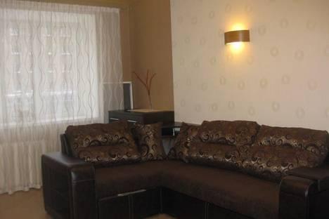 Сдается 1-комнатная квартира посуточно в Сыктывкаре, ул. Коммунистическая, 78.