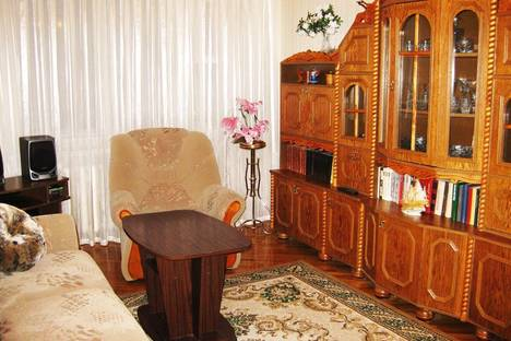 Сдается 2-комнатная квартира посуточно в Сыктывкаре, Старовского 30.