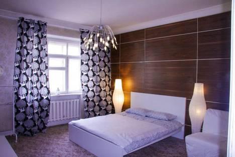 Сдается 3-комнатная квартира посуточнов Екатеринбурге, проспект Ленина, 36.