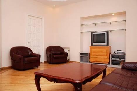 Сдается 5-комнатная квартира посуточно в Киеве, Шота Руставели 20-Б.