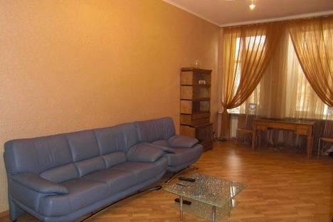 Сдается 4-комнатная квартира посуточно в Киеве, Прорезная 20.