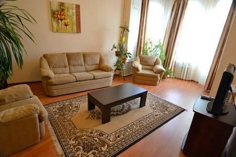 Сдается 2-комнатная квартира посуточно в Киеве, Костёльная 9.