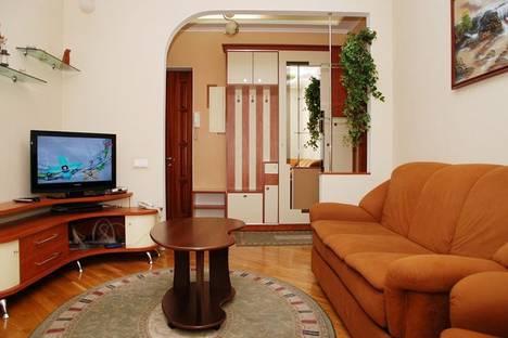 Сдается 2-комнатная квартира посуточно в Киеве, Софиевская, 16.