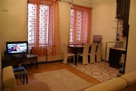 Сдается 3-комнатная квартира посуточно в Киеве, Красноармейская 23а.