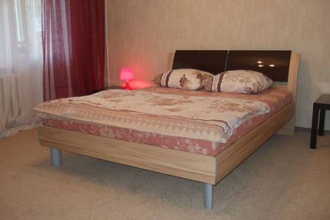 Сдается 2-комнатная квартира посуточно в Набережных Челнах, проспект Сююмбике, 13.