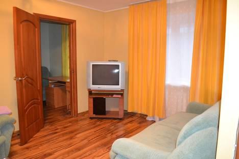 Сдается 2-комнатная квартира посуточно в Перми, ул. Николая Островского, 63.