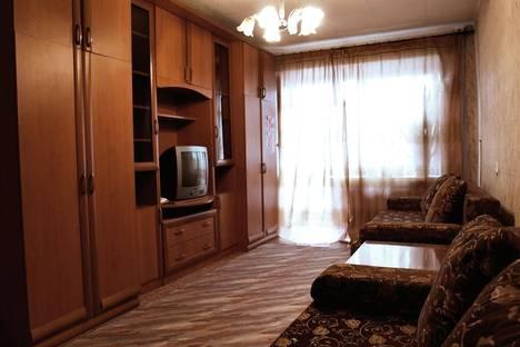 Сдается 2-комнатная квартира посуточнов Тюмени, ул. 50 лет Октября 70.