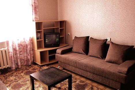 Сдается 1-комнатная квартира посуточнов Тюмени, ул. 50 лет Октября 36a.
