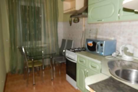 Сдается 2-комнатная квартира посуточно, Генерала Епишева 16.