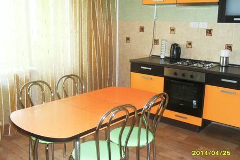 Сдается 2-комнатная квартира посуточно в Ульяновске, ул. Карла Маркса, , 52.