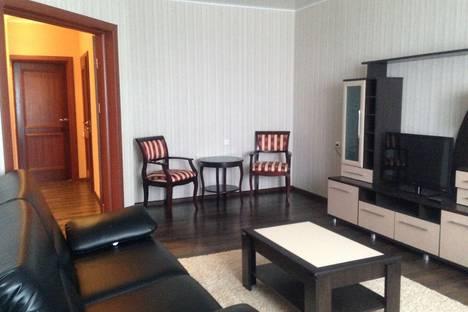 Сдается 2-комнатная квартира посуточнов Оренбурге, ул. Джангильдина, 3.