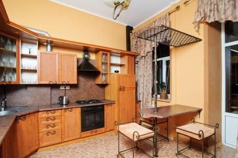 Сдается 3-комнатная квартира посуточно в Минске, Раковская 16 (А).