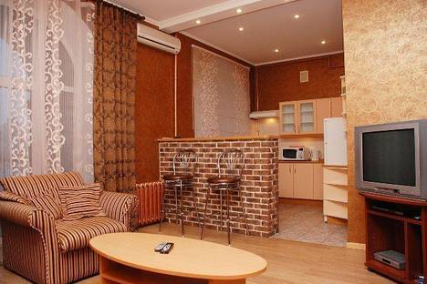 Сдается 2-комнатная квартира посуточно в Киеве, ул. Крещатик, 25.