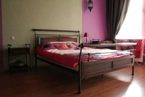 Сдается 2-комнатная квартира посуточно в Киеве, Бассейная ул., 5а.