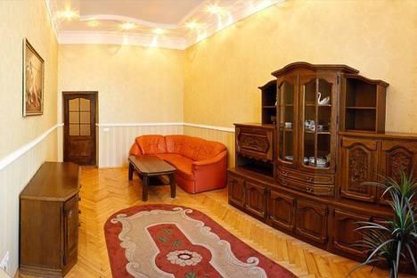 Сдается 2-комнатная квартира посуточно в Киеве, Бассейная ул., 12.