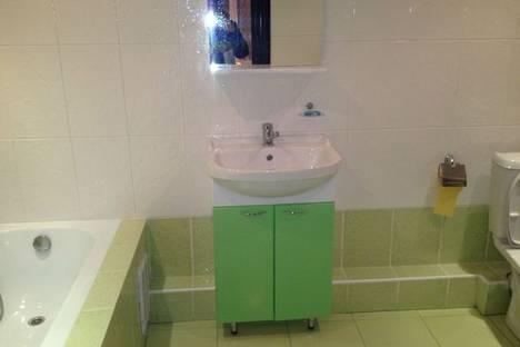 Сдается 2-комнатная квартира посуточно в Армавире, Урицкого 100.