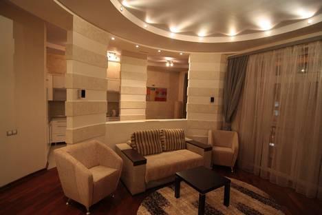 Сдается 3-комнатная квартира посуточно в Киеве, ул. Крещатик, 13.