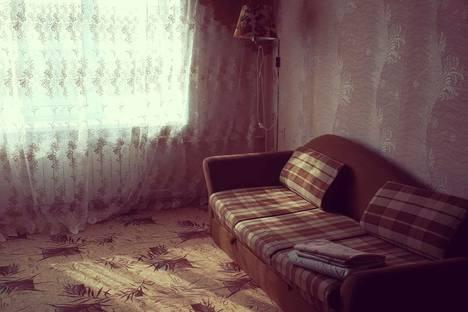 Сдается 1-комнатная квартира посуточнов Астрахани, ул. Ахшарумова, 78.