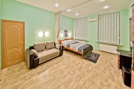 Сдается 4-комнатная квартира посуточно, Мойка 1.
