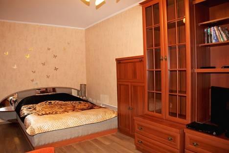 Сдается 1-комнатная квартира посуточнов Великих Луках, Октябрьский проспект, 33кор1.