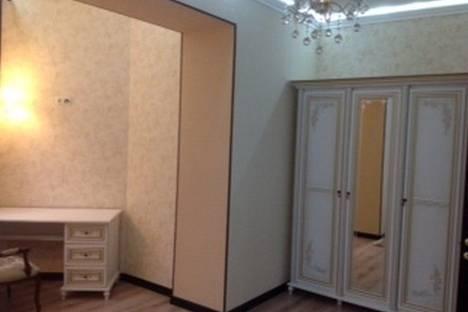 Сдается 3-комнатная квартира посуточно в Харькове, ул. Петровского, 7.