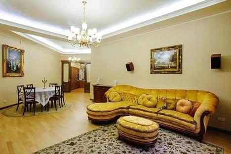 Сдается 3-комнатная квартира посуточнов Харькове, ул. Петровского, 22-а.