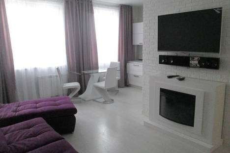 Сдается 2-комнатная квартира посуточно в Кемерове, ул.Весенняя, 16.