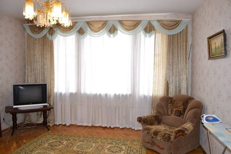 Сдается 2-комнатная квартира посуточно в Твери, ул. Трехсвятская, 25.