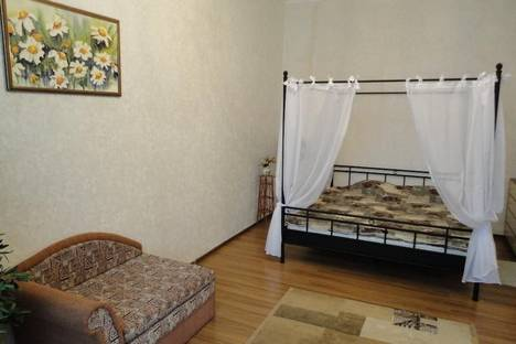 Сдается 1-комнатная квартира посуточно в Харькове, ул.Чернышевская 25.