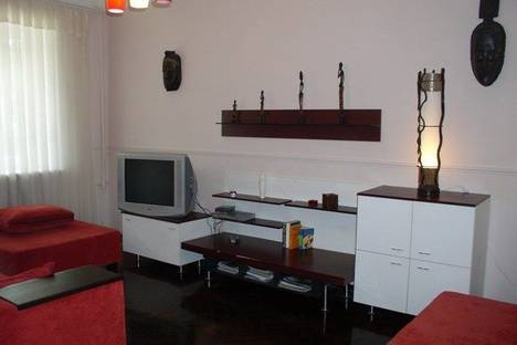 Сдается 2-комнатная квартира посуточно в Харькове, пр. Ленина 15.