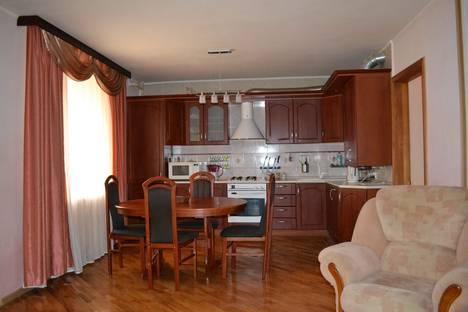Сдается 3-комнатная квартира посуточнов Энгельсе, Вяземская ул., 37А.