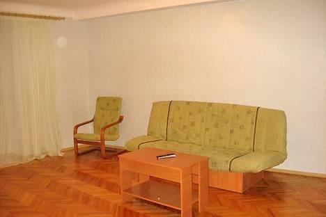 Сдается 2-комнатная квартира посуточно в Харькове, Красношкольная наб., 12.