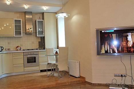Сдается 3-комнатная квартира посуточно в Харькове, Сумская, 73.