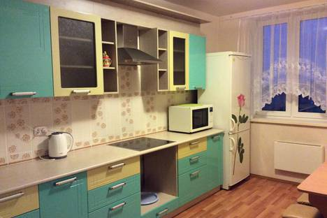 Сдается 3-комнатная квартира посуточнов Каменск-Уральском, Каменская 97.