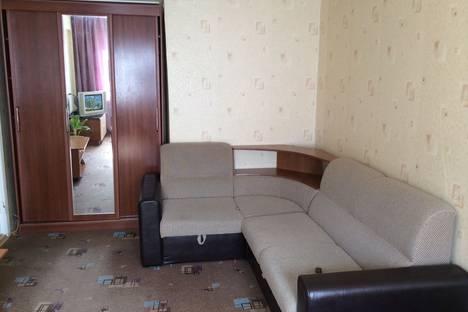 Сдается 1-комнатная квартира посуточнов Каменск-Уральском, ул. Шестакова, 32.