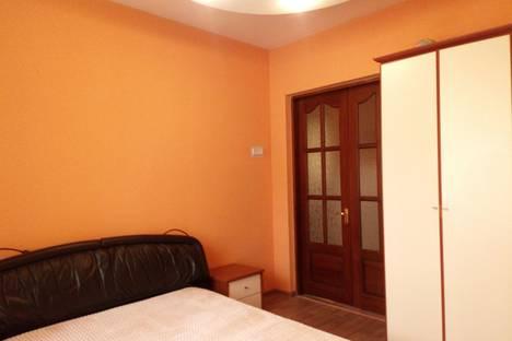 Сдается 2-комнатная квартира посуточно в Новосибирске, проспект Карла Маркса, 22.
